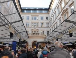 Adventmarkt im Palais Niederösterreich in Wien